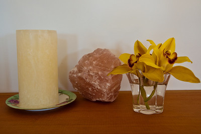 candle-crystal-flowers