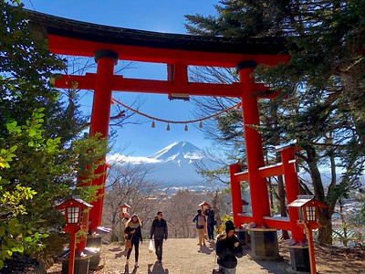 Shrine Torii Mt.Fuji & Tourists