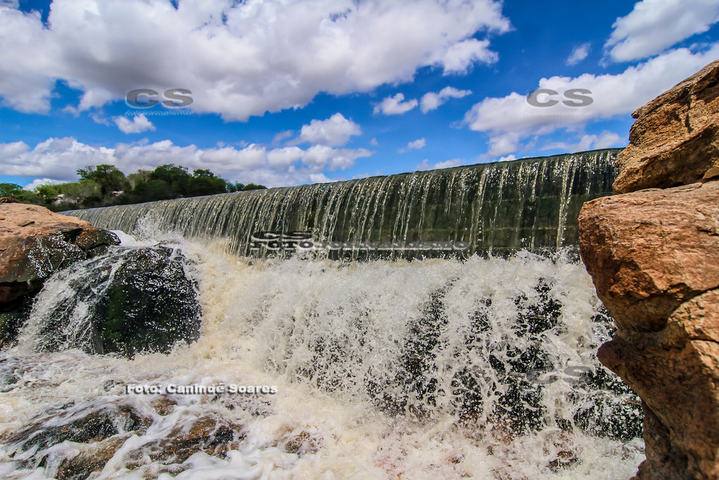 Sangria do açude da Cachoeira dos Gabrieis