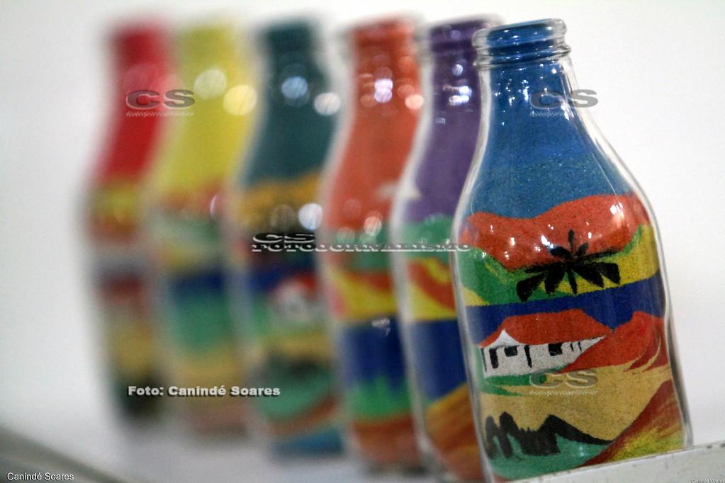 Garrafas de areia coloridas