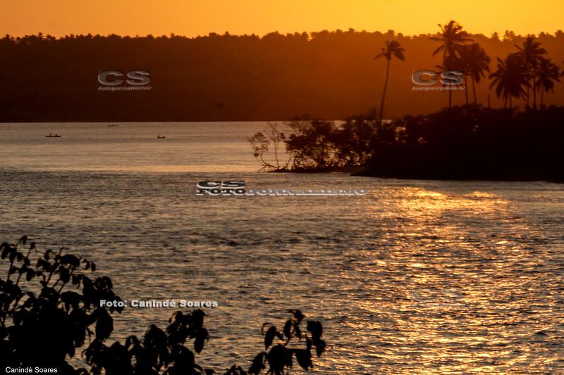Pôr-do-sol na  Lagoa Guaraíras