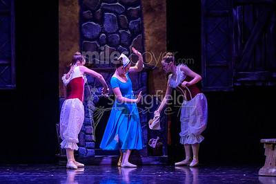 2017_Cinderella_Blue_Cast