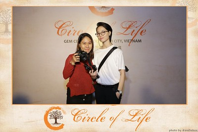Circle-of-Life-Gem-Center-Photoobooth-by-WefieBox-Vietnam-01