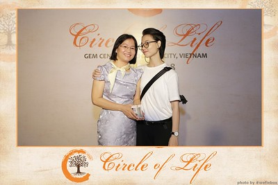 Circle-of-Life-Gem-Center-Photoobooth-by-WefieBox-Vietnam-04