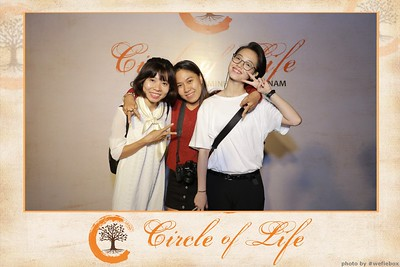 Circle-of-Life-Gem-Center-Photoobooth-by-WefieBox-Vietnam-02