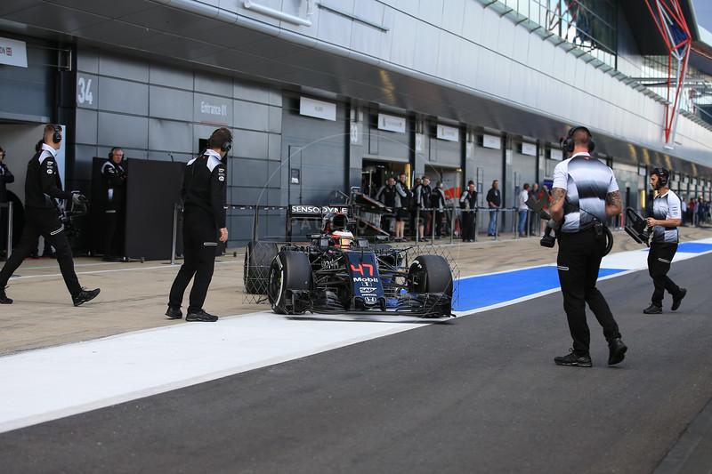 Formula 1 testing, day 2, Silverstone