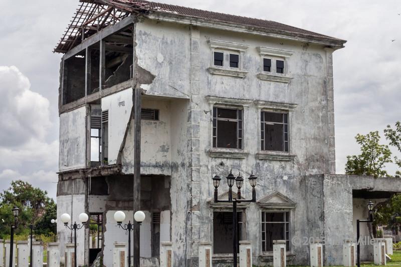 Hospital-building-showing-tsunami-damage,-Banda-Aceh,-Sumatra