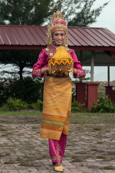 Portrait-of-an-Acehnese-dancer-2,-Banda-Aceh,-Sumatra