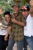Karoke-singers,-Bukit-Lawang,-North-Sumatra