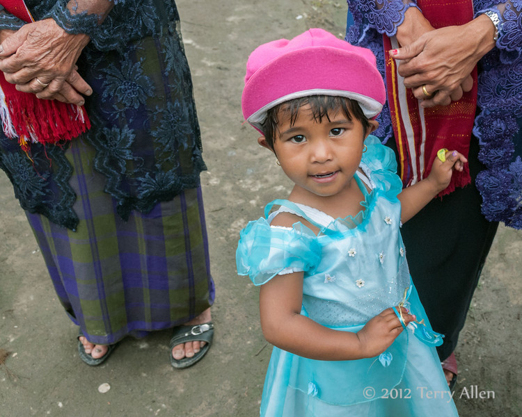 Young-Batak-girl-dressed-in-her-holiday-best,-Lingga-Brastagi,-North-Sumatra