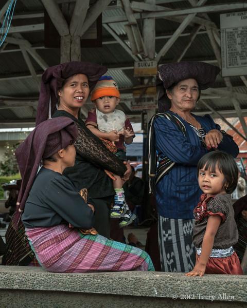 Batak-women-and-childen,-at-funeral-feast-near-Lingga-Brastagi,-North-Sumatra
