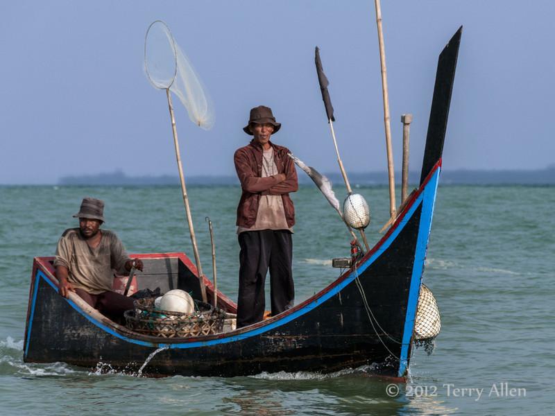Acehnese-fishermen-2,-Bireuen-region,-Aceh-Province