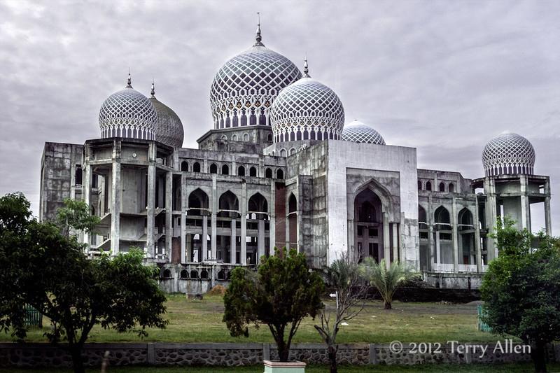 Unfinished-Islamic-Center,-Lhokseumawe,-Aceh-Province