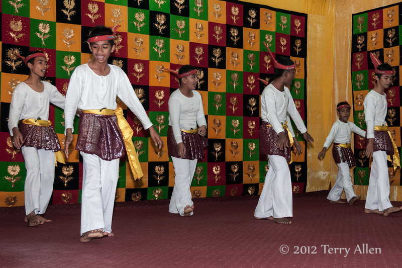 Young-men-performing-welcoming-dance,-Lhokseumave,-Aceh-Province