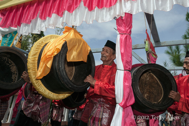 Band-at-wedding-ceremony,-Pirak-Timu,-Aceh-Province<br /> <br /> 2. A lot of drumming went on leading up to the wedding ceremony