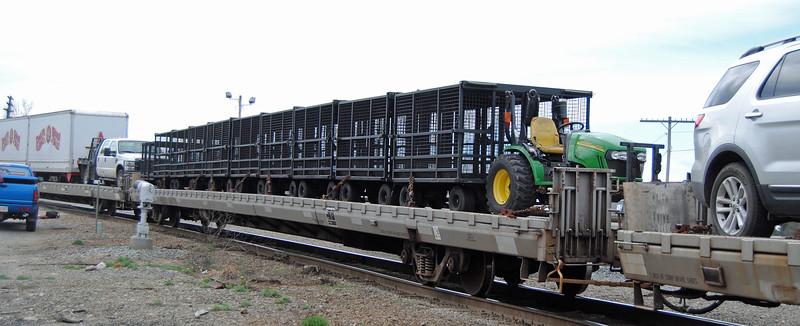 Circus train rolls through Ayer