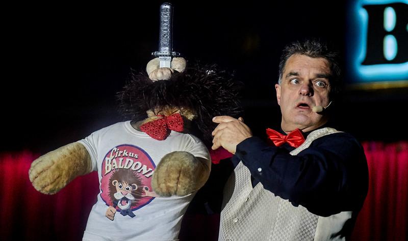 Gru og gys, kan cirkusdirektøren nu få sablen op igen?