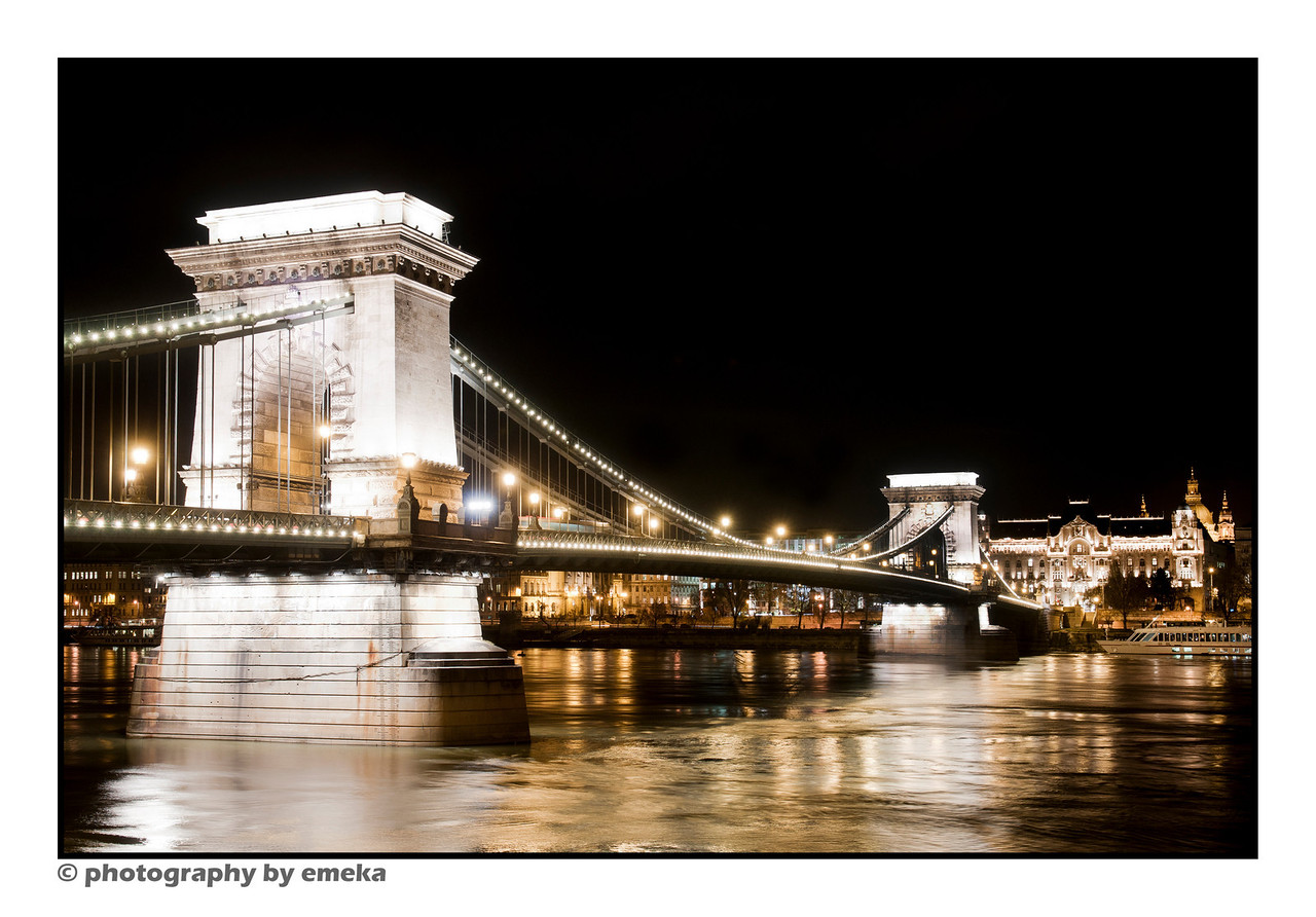 Széchenyi Chain Bridge at night