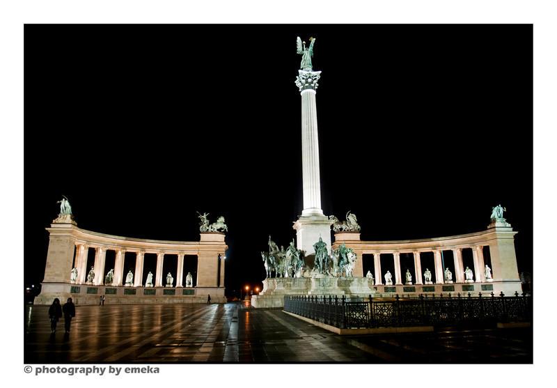 Hero's Square at night