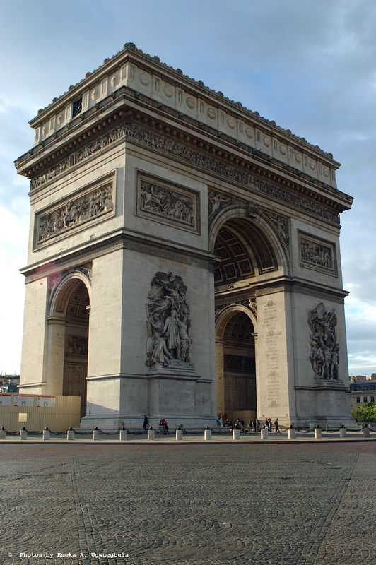 Arc De Triomphe - magnificient structure with great detail
