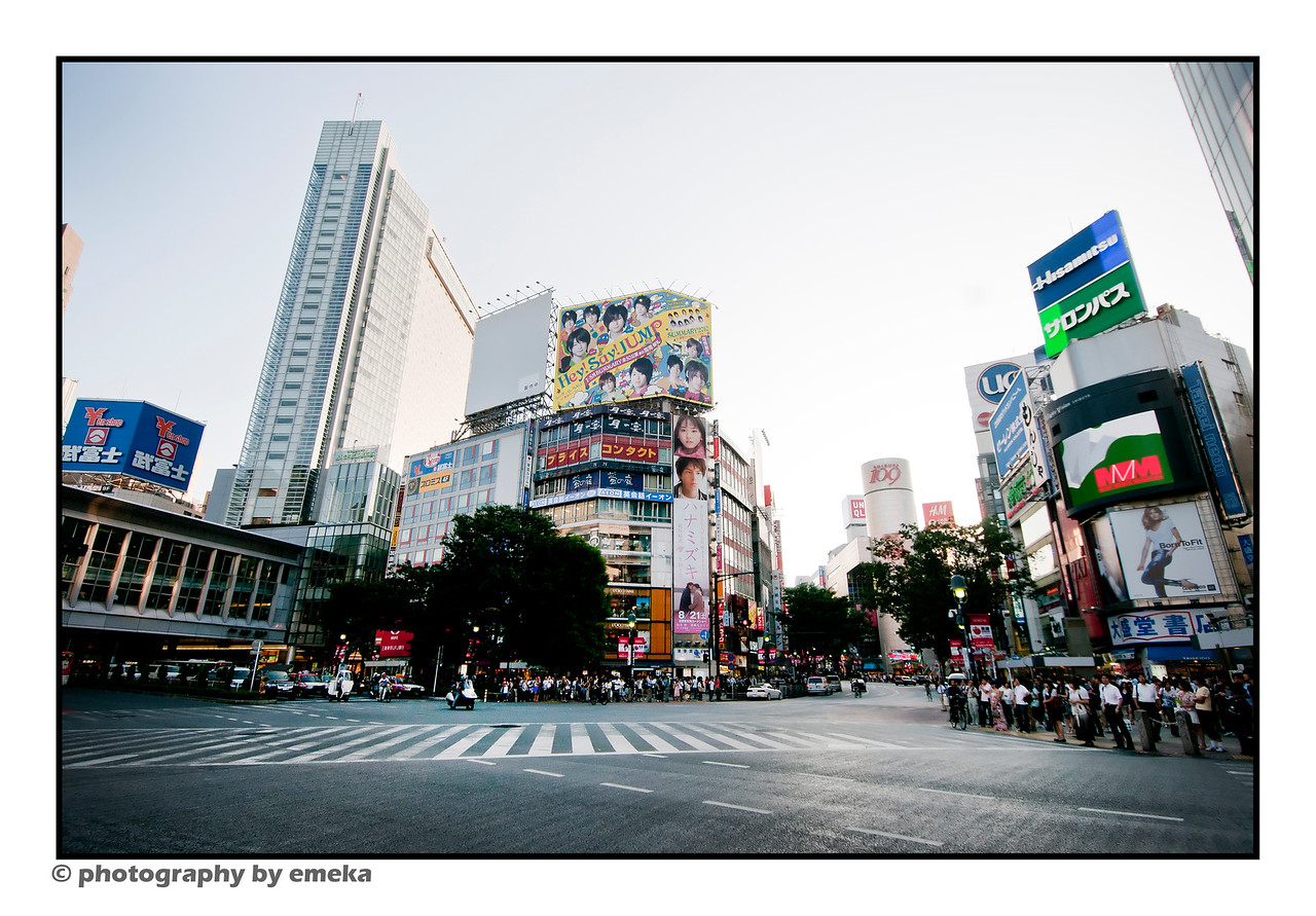 Looking directly at the main intersection outside Shinjuku station --> check the next picture for the chaos.