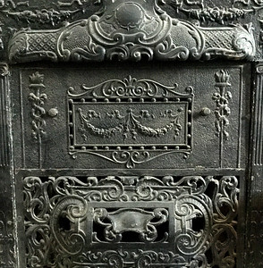 Fireplace-grate-SouthwestDetroit-Home