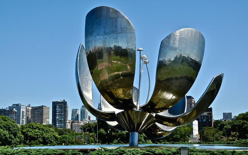 Floralis Generica - (sculpture by Eduardo Catalano) Buenos Aires