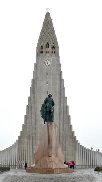 Hallgrímskirkja - Reykjavik ( Leif Eriksson - Norse explorer from Iceland)