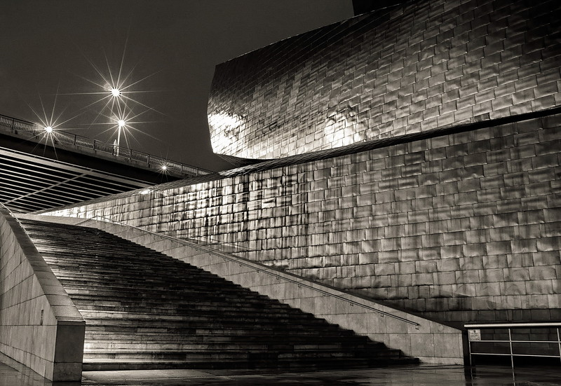 Am Guggenheim Museum in Bilbao