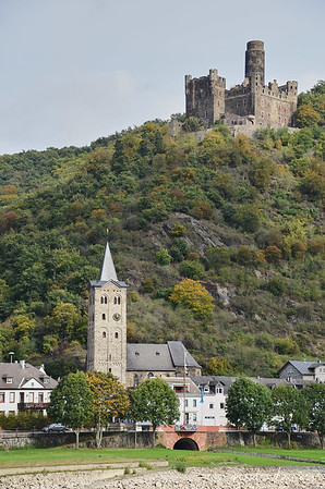 Maus Castle - 1356 -1386  &  St. Martins Church, Wellmich, Germany
