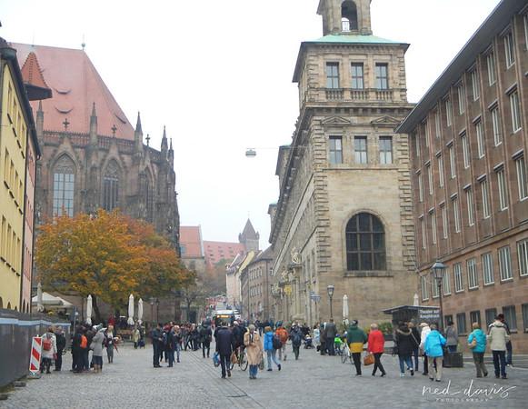 rear of St. Sebasto's Church (Nuremberg) - St. Sebaldus Church, Nuremberg - City Hall (Rathaus), Nuremberg