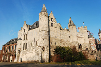 Het Steen (The Stone), a castle built in the 13th Century, not far from the Market Square. It got its name because it once was the only building made in stone.