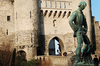 Het Steen (The Stone), a castle built in the 13th Century, not far from the Market Square. It got its name because it once was the only building made in stone. The bronze statue to the right, built in 1963, represents Lange Wapper, the Antwerp version of the boogie man. He terrified children and drunks.