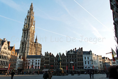 The Market square (Grote Markt) with the Cathedral of Our Lady in Antwerp (Antwerpen), Belgium, the largest Gothic church in the Low Countries. It measures 123 meter.