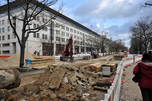 Building works on the Unter Den Linden, Berlin.
