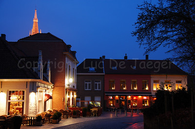 Restaurants in front of the Concert Hall situated along 't Zand.