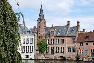 View on the back of the Huidenvettersplein, a side street of the Rozenhoedkaai.