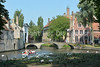 The Wijngaardplein and the beautiful and peaceful Beguinage 'De Wijngaard' (= the Vineyard), just behind the Minnewater.