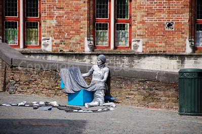 A Mermaid, captured near the Fish Market (Vismarkt) ;-) on the bridge leading to the Blinde Ezelstraat.