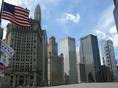 view on the buildings at the river from the bridge of Michigan Ave