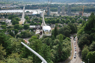 Portland Aerial Tram - car and view