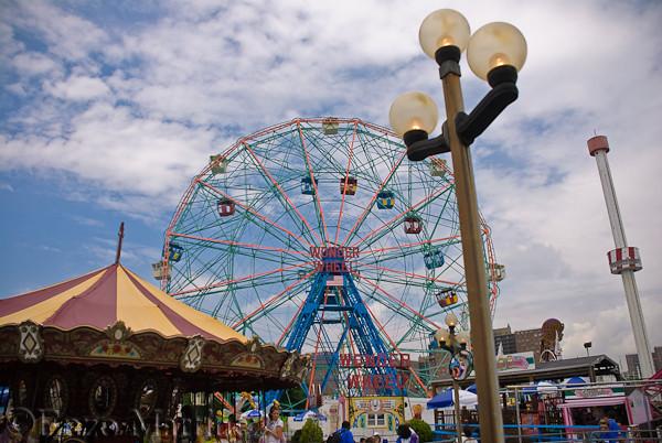 Coney-Island-Wonder-Wheel-Brooklyn-NY-boardwalk