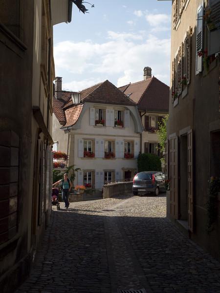 Impasse de Motte-Châtel, Estavayer-le-Lac<br /> Olympus E-420, 12-60mm f2.8-4.0