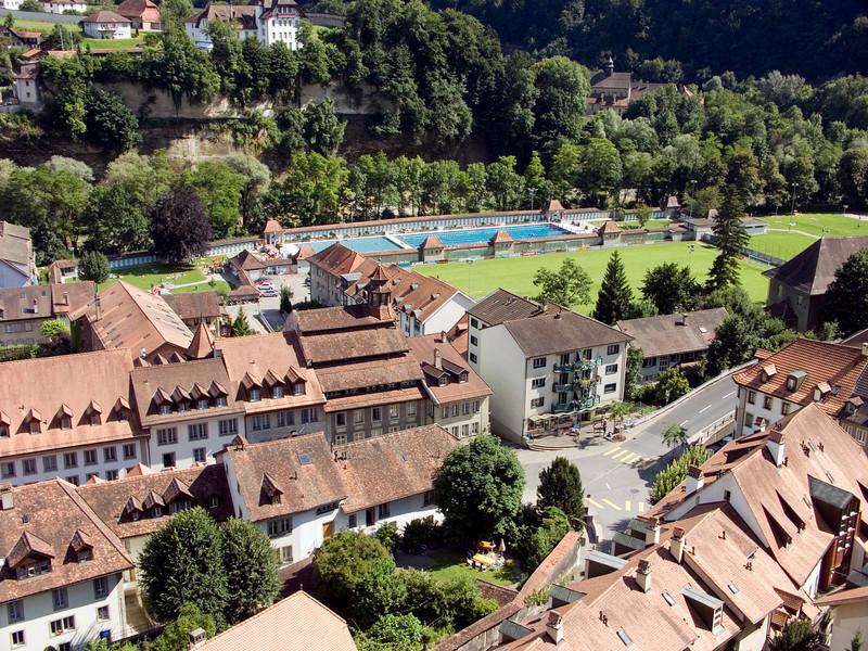 Neuveville, Piscine de la Motta (as seen from the Route des Alpes)<br /> Konica Minolta Dimage A2