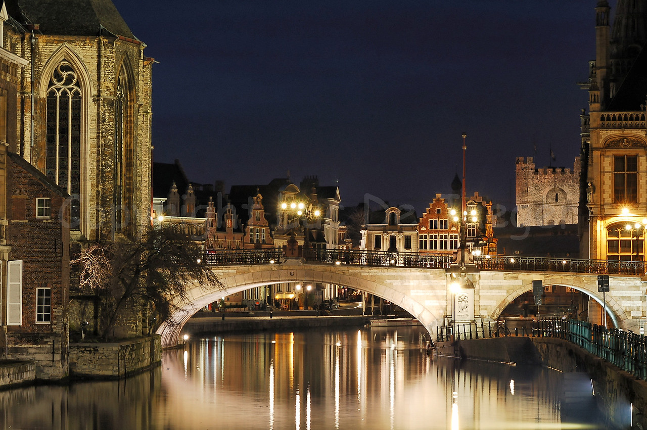 Evening shot of the St Michielsbrug (St Michael's Bridge) in the city of Ghent (Gent), Belgium. Image shot from the Predikherenbrug.