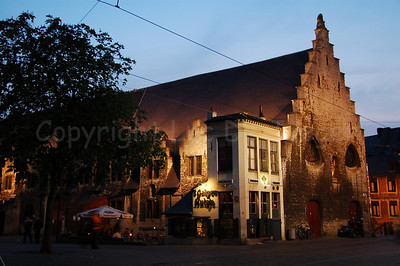 "The ""Galgenhuisje"" (a pub) on the Groentenmarkt (Grocery Market) in Ghent (Gent), Belgium. Also take a look at my photo of the renovated building."