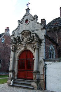 The Our Lady Ter Hoyen beguinage, one of the three beguinages in Ghent. This beguinage is situated in the centre of the city and is an area of tranquile rest and peace near busy streets.