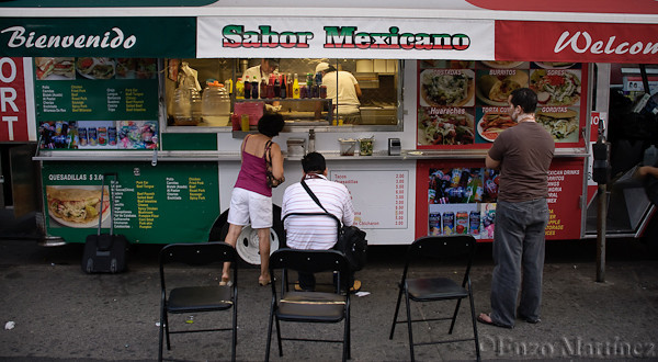jackson-heights-roosevelt-taco-truck-chairs-sabor-mexicano
