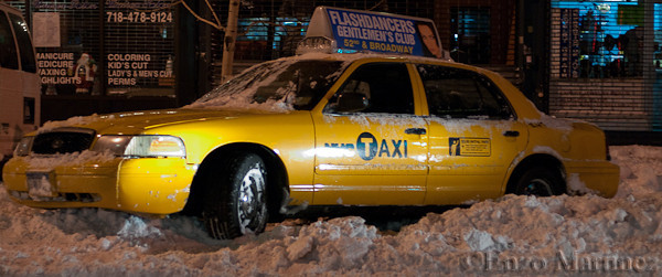 Taxi-parked-in-snow