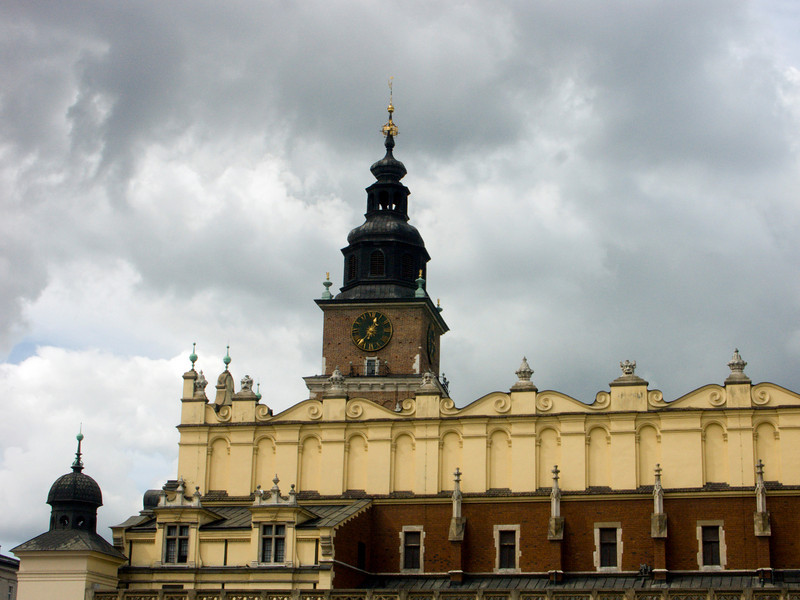 market hall and city hall tower, Cracow city centre (09-2007)<br /> Konica Minolta Dimage A2
